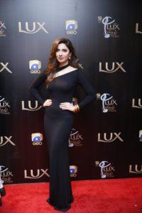 Mahira Khan (2)-min-min